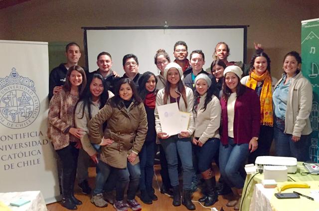 Escuela de Ingeniería UC certifica programa de emprendimiento social