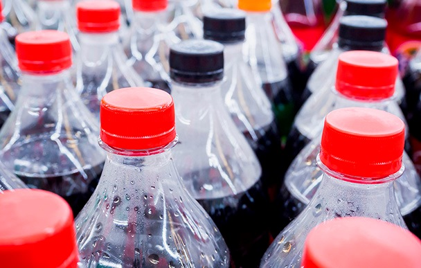 Estudio: Envase plástico retornable de 2 litros genera menos residuos