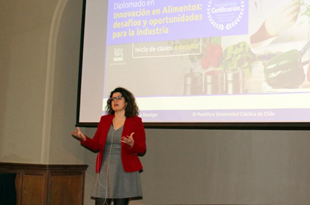 Vicedecana de Ingeniería abordó tecnologías para extender la vida útil de los alimentos