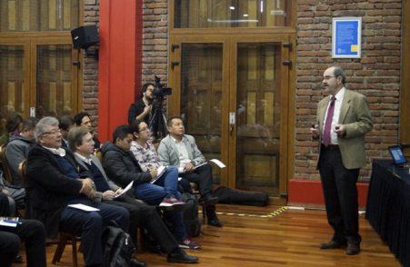 Profesor UC Gustavo Lagos lidera consultora enfocada en minería chilena y global