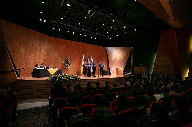 628 Profesionales recibieron sus Diplomas de Programas de Educación Profesional UC