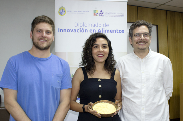 Ex alumnos del Diplomado de Innovación en Alimentos crean pan alto en proteínas