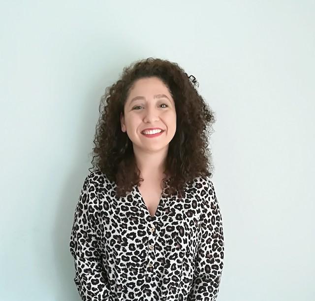 Felicitamos a Amina Merlez, ganadora de una beca para el curso «Los Desafíos de la Innovación: Cultura y Gestión»