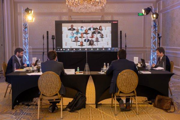Así fue la primera sesión del Consejo Asesor del Plan Transforma Chile lanzado por Microsoft