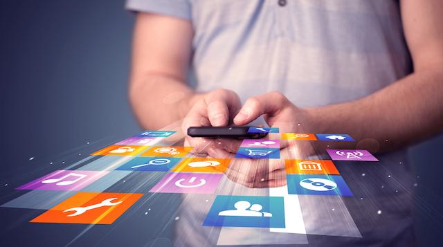 Desde app de alertas hasta redes sociales y asistente virtual: las tecnologías chilenas para la seguridad personal y de bienes