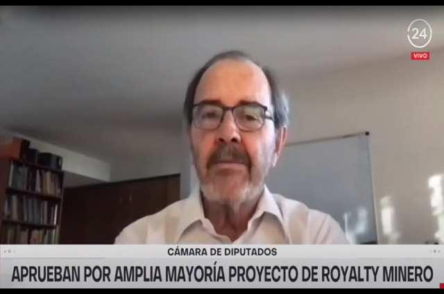 Entrevista a profesor Gustavo Lagos en TVN
