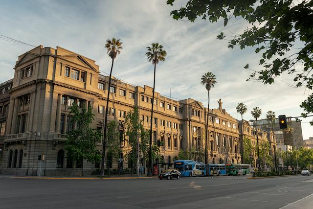 Universidad Católica obtiene recertificación como organismo técnico de capacitación hasta el 2024